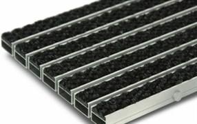 Грязезащитная алюминиевая решетка Megapolis23 с ворсом