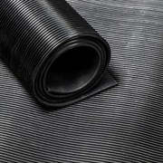 """Рулонное резиновое покрытие """"Рубчик с поперечным рифлением"""", черный"""